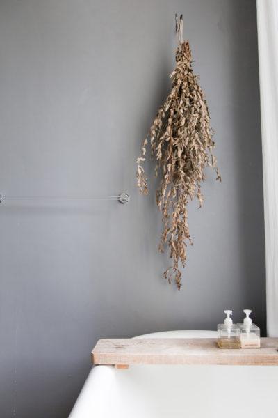 Salle de bains, maison d'hôte Camellas Lloret dans l'Aude, en Occitanie.