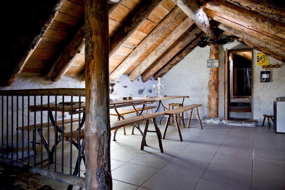 Salle à manger, Buron de la Fumade Vieille, Cantal, Auvergne.