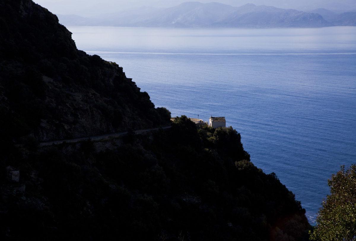 Région sauvage : Falaises du Cap Corse. © Elodie Rothan