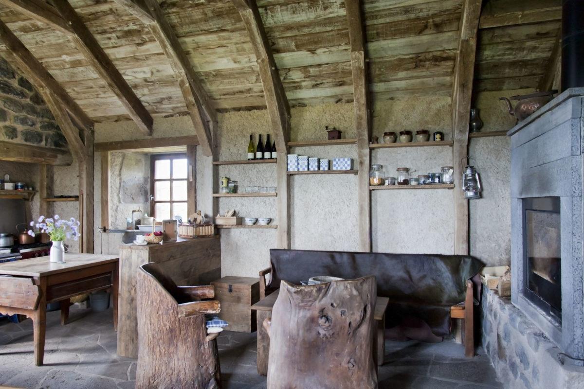 Séjour, Buron de Bâne par Les Maisons de Montagne, à Pailherols, Cantal, Auvergne.