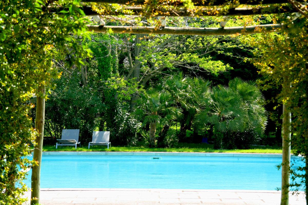 La piscine extérieure, Baumanière.