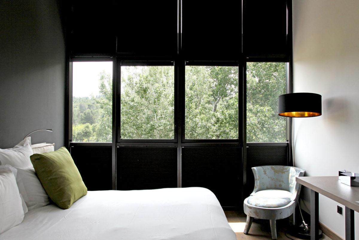 Chambre, Domaine de Manville, Alpilles.