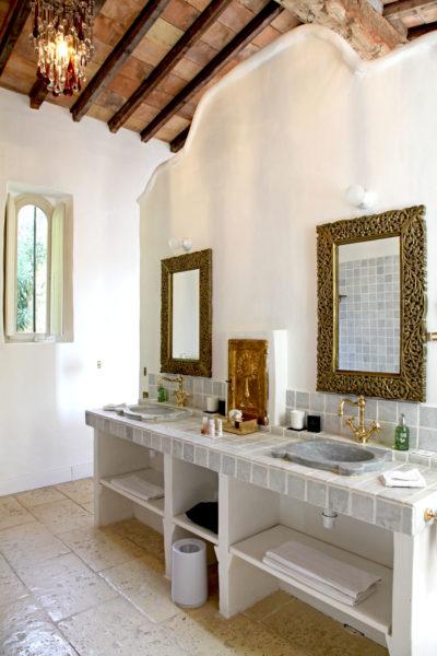 """Salle de bains de la suite """"la Chapelle"""""""