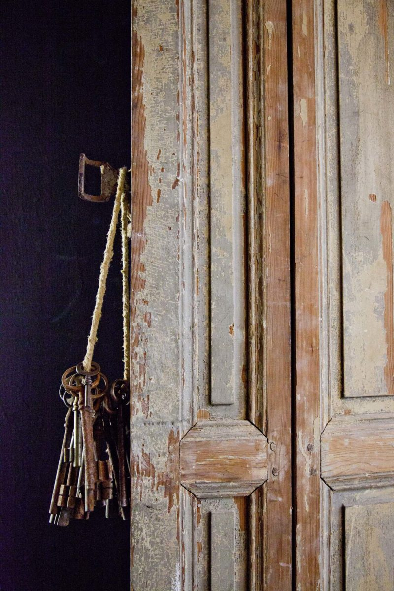 Porte, maison Empereur. © Elodie Rothan