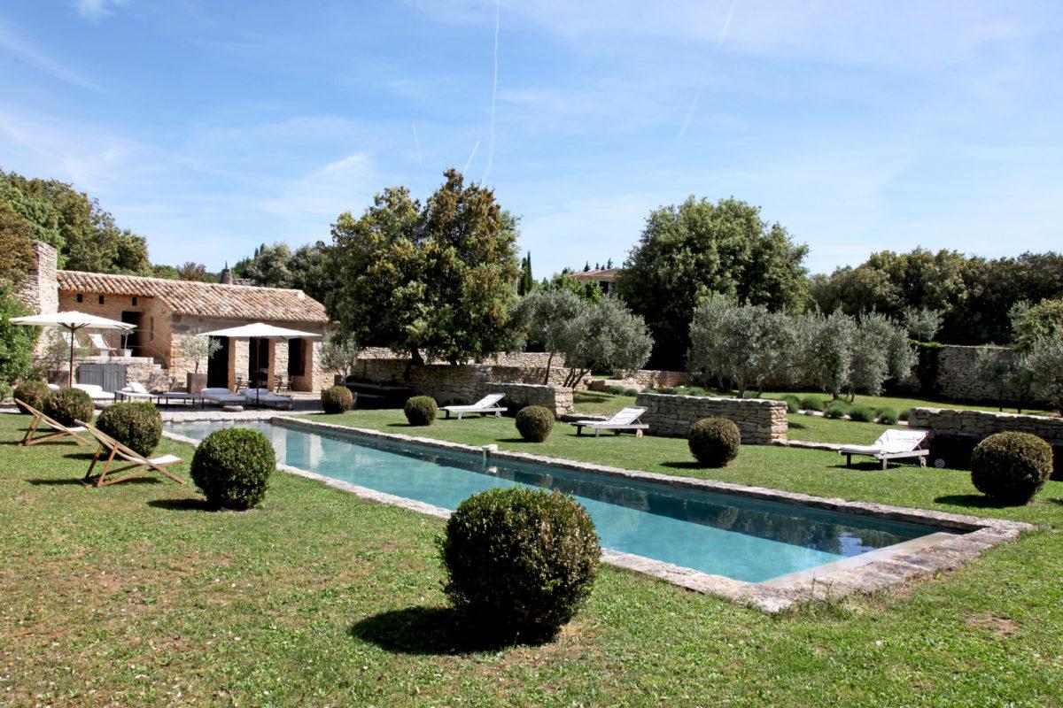 Jardin, maison d'hôtes Le Mas de la Tannerie à Gordes, dans le Luberon.