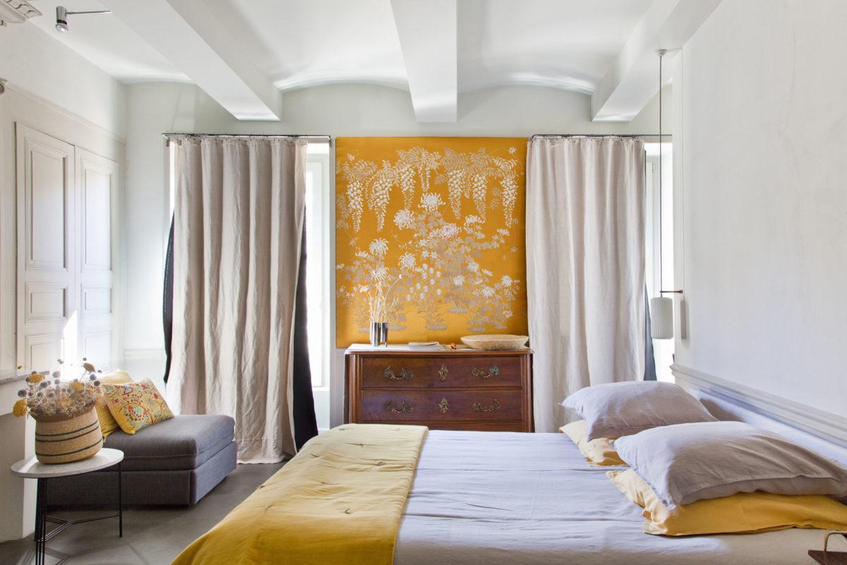 """Inspiration asiatique pour la chambre """"I"""", maison Le 35 Mai en Ardèche. © Elodie Rothan"""