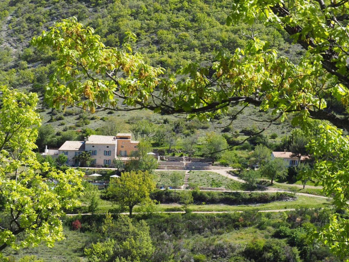 Ecolodge L'Osclaye, dans la Drôme provençale. © L'Osclaye