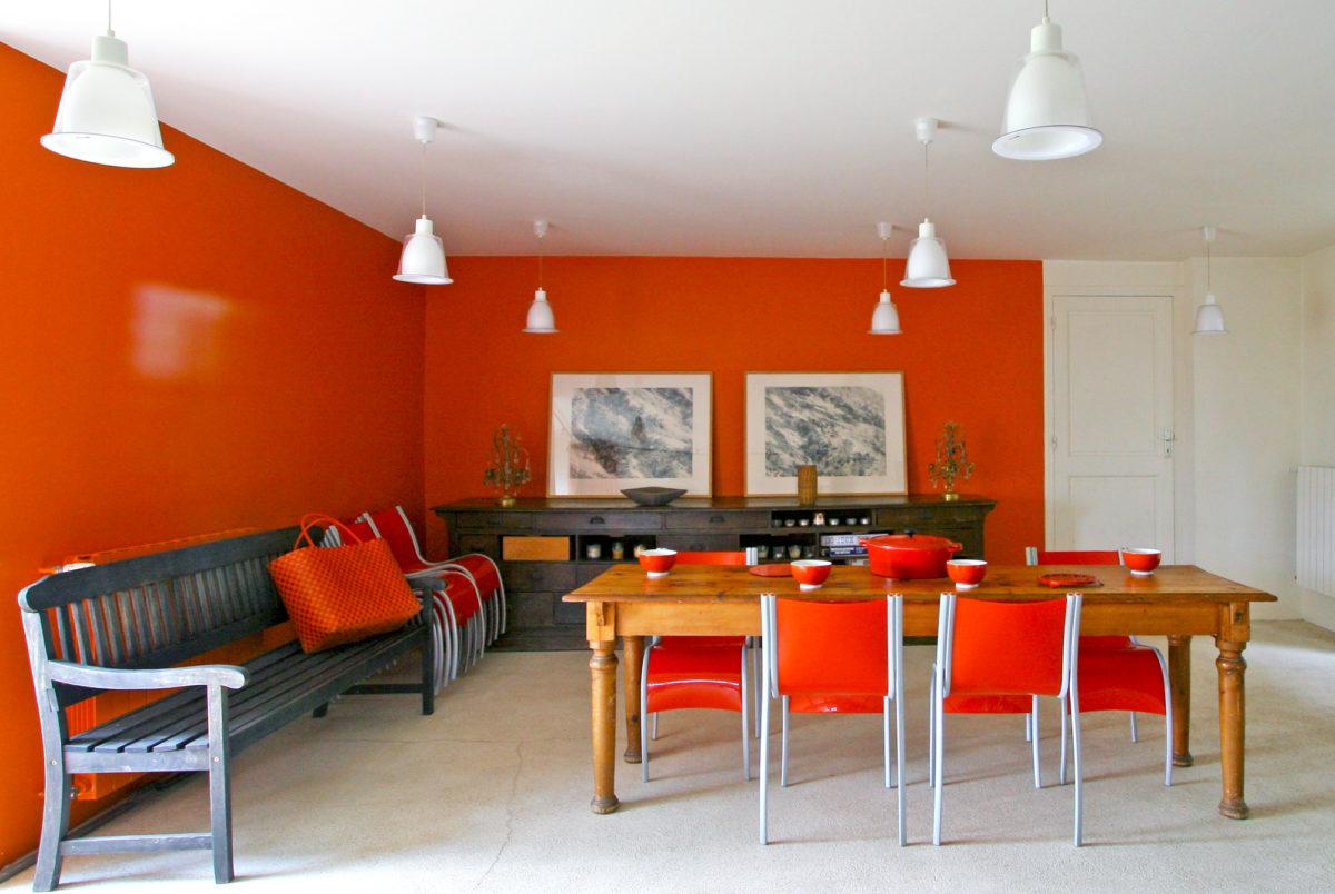 Salle à manger, maison Les Chaix en Ardèche. © Elodie Rothan