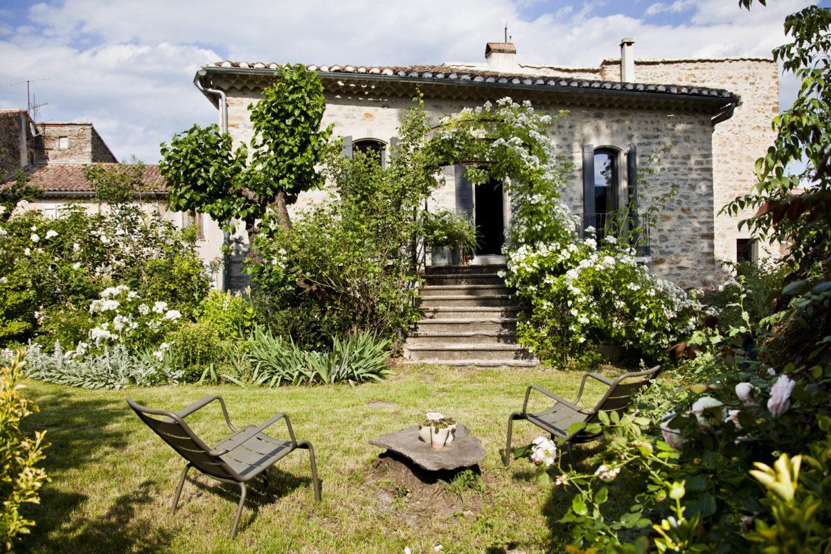 Maison Le 35 Mai en Ardèche. © Elodie Rothan