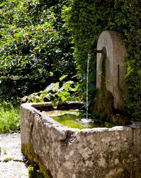 Fontaine à l'Hostellerie de l'Abbaye de la Celle