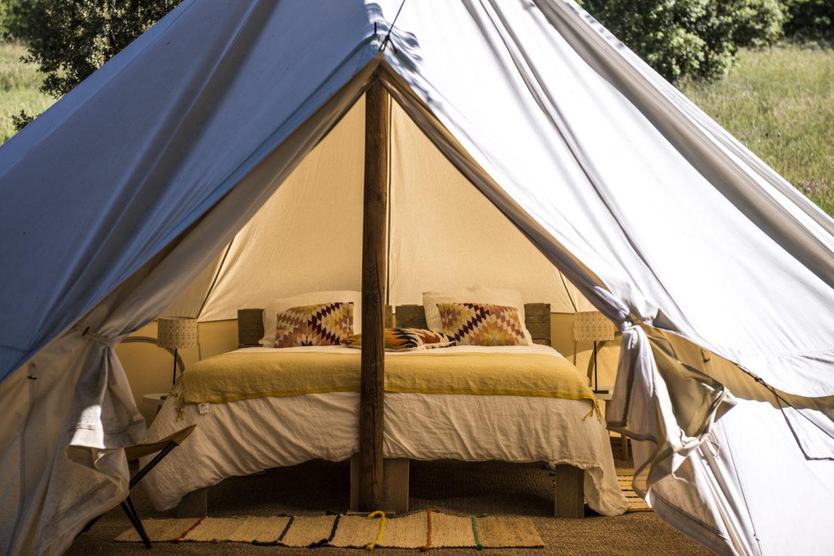 Tente lodge, L'Osclaye, dans la Drôme provençale. © L'Osclaye