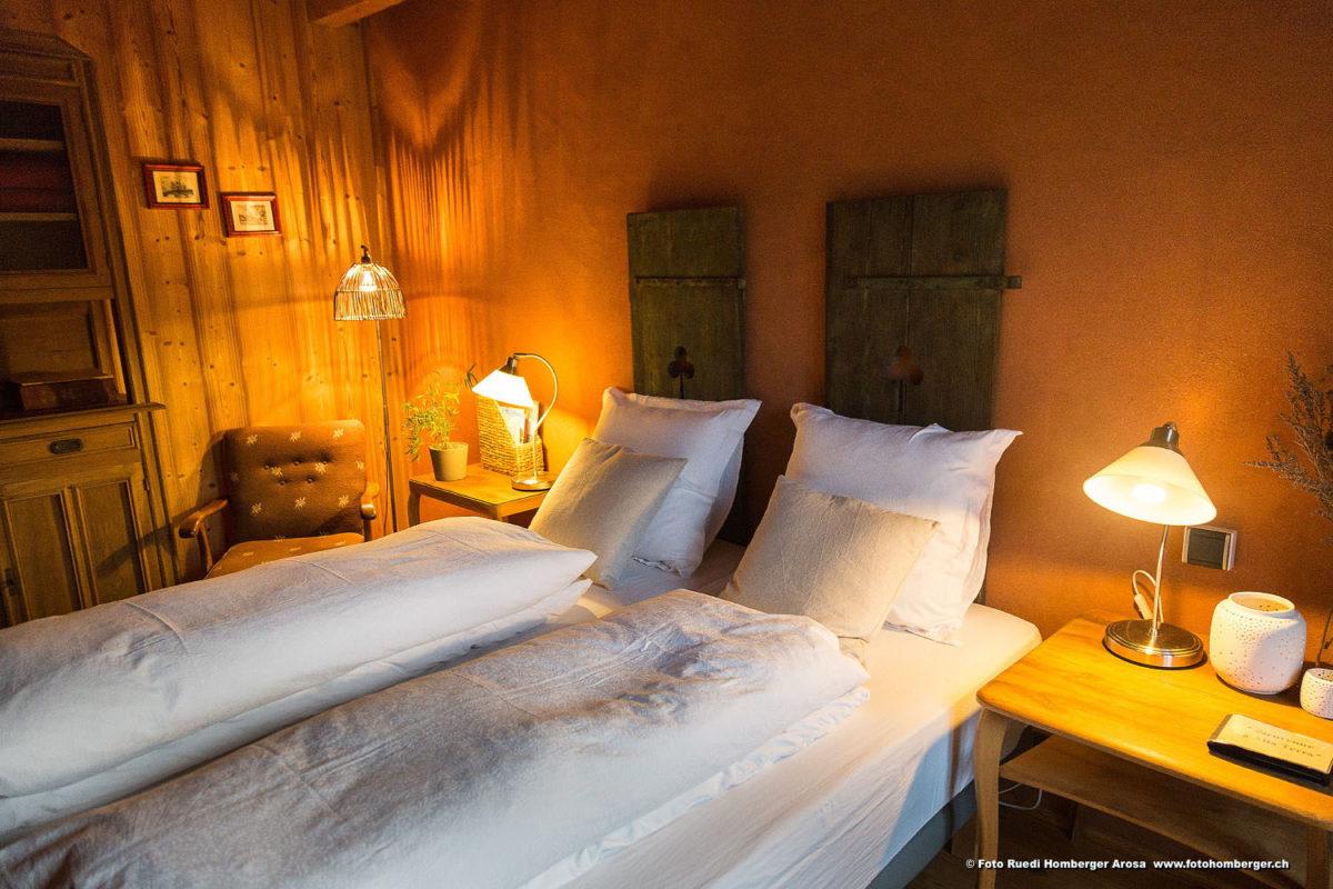 Une des chambres d'hôtes de Alta Terra, dans le Cantal. © Ruedi Homberger